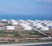 石油備蓄基地 タンク群
