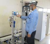 水質分析計点検作業